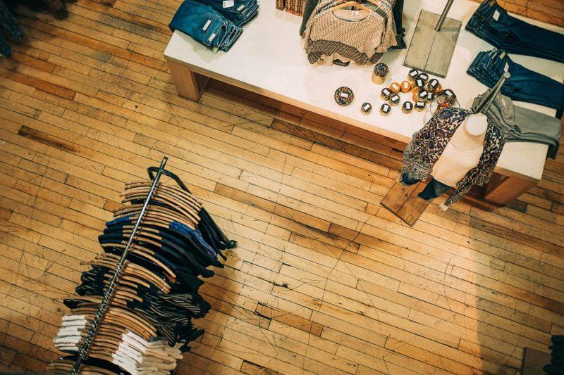 Qu'est-ce qu'une Fashion Digital Native Vertical Brand?