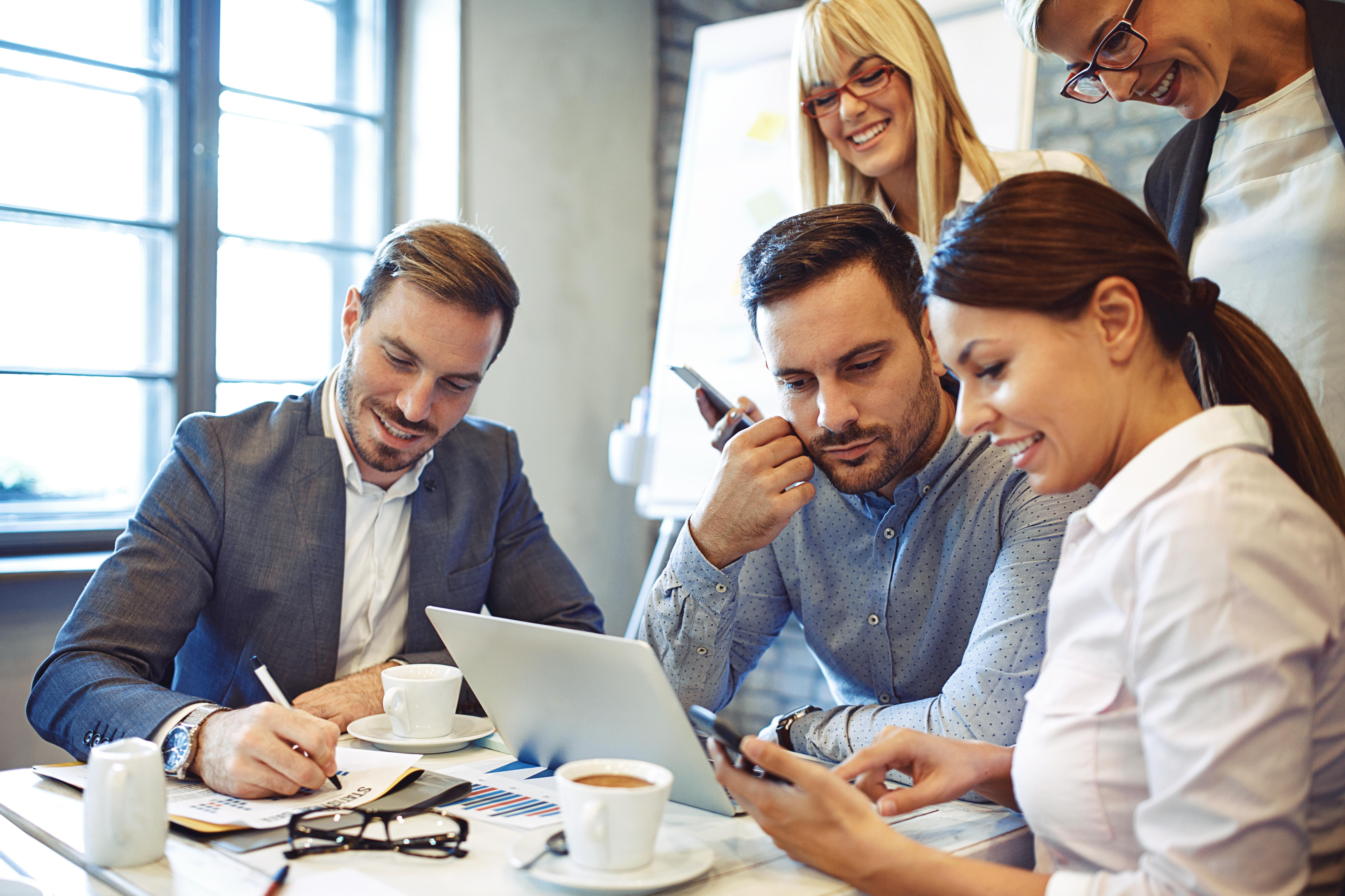 les-metiers-la-communication-digitale-dans-le-luxe